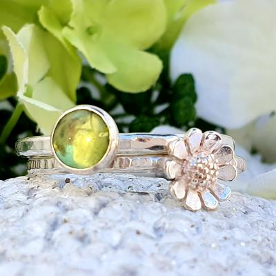 june birthstone peridot ring